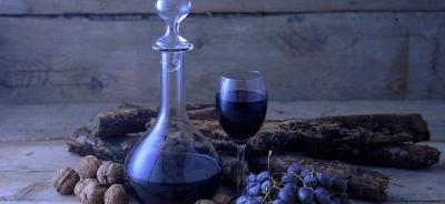 Warum Weinliebhaber eine Weinkaraffe nutzen