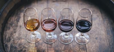 Weinklimaschränke, in denen man Wein lagern und zugleich Wein zum Trinken temperieren kann